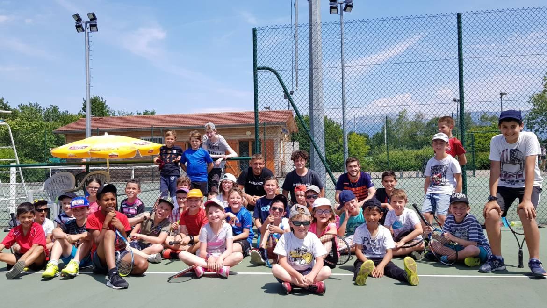 Plein de jeunes au Tennis Club de Rives